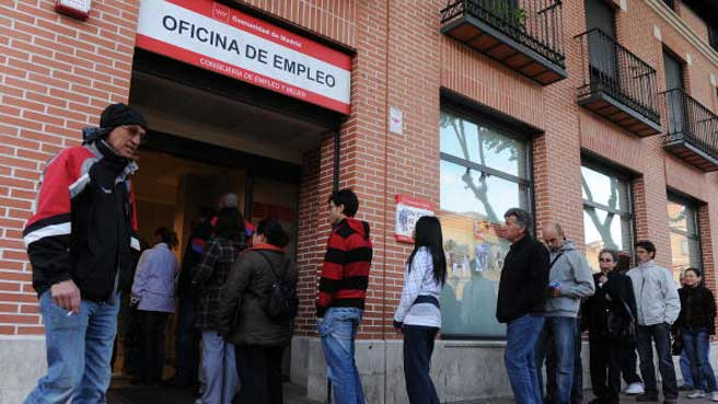 Mill n y medio de personas paradas en andalucia for Oficina de empleo andalucia